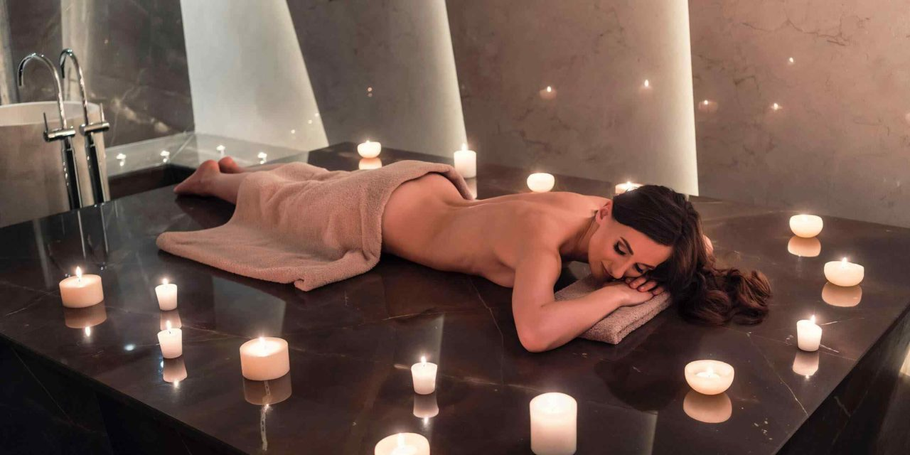 https://www.lereverittenhousespa.com/wp-content/uploads/2018/10/spa-treatment-10-1280x640.jpg